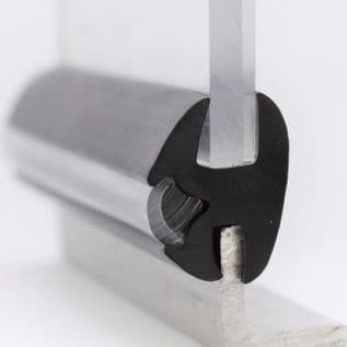 32. WINDOW SEAL <br> IRS 2501 W/S <br> glass 9.50mm <br> PRICE PER METRE