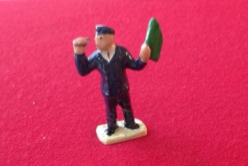 HORNBY PRE-WAR O GAUGE 1B Guard with flag and whistle