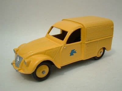 A DINKY TOYS COPY MODEL 560 2CV CITROEN POSTALE