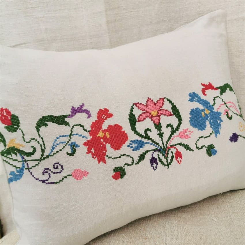 transylvanian embrodiered cushion cover