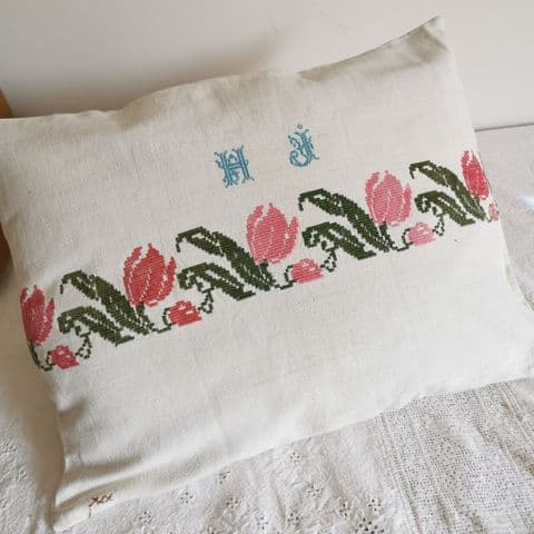 Cushion Cover form Vintage Hungarian Embroidery