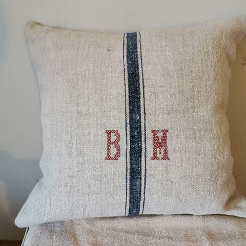 Cushion Cover from Vintage Llinen. 1 available