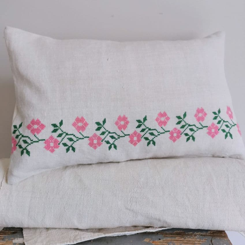 Matyo embroidered Cushion Cover-parna