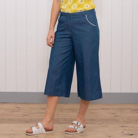 Skirts, Trousers & Shorts